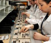 Dam pracę w Anglii bez języka na produkcji montaż elektroniki Manchester