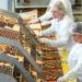 pakowanie-czekoladowych-pralinek