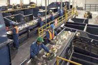 Dam fizyczną pracę w Anglii przy recyklingu-sortowanie Milton Kenyes