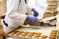 Praca Anglia w Kidderminster na produkcji przy pakowaniu ciastek