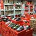 Magazyn z obuwiem sportowym sklep (4)