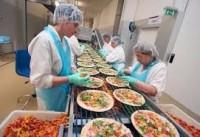 Dla par dam pracę w Anglii na produkcji pizzy mrożonej bez języka w Birmingham