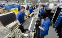 Dla par praca Anglia przy produkcji telewizorów LCD bez języka w fabryce z Leeds