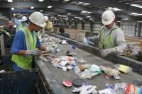 Dam pracę w Anglii przy recyklingu jako sortowacz odpadów bez języka, St Albans