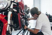 Serwisant skuterów dam pracę w Anglii dla mechanika od zaraz, Londyn